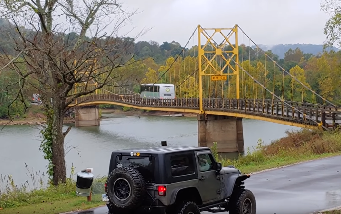 Bendy US Bridge Nearly Buckles Under Bus' Weight