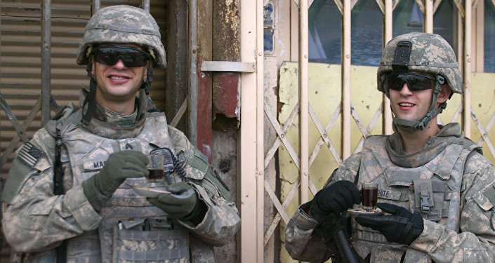 US soldiers enjoy cups of coffee (File)