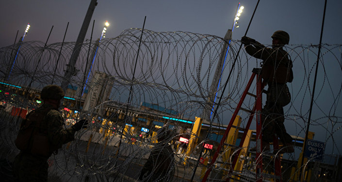 Mexico to up security at border after migrants try to cross