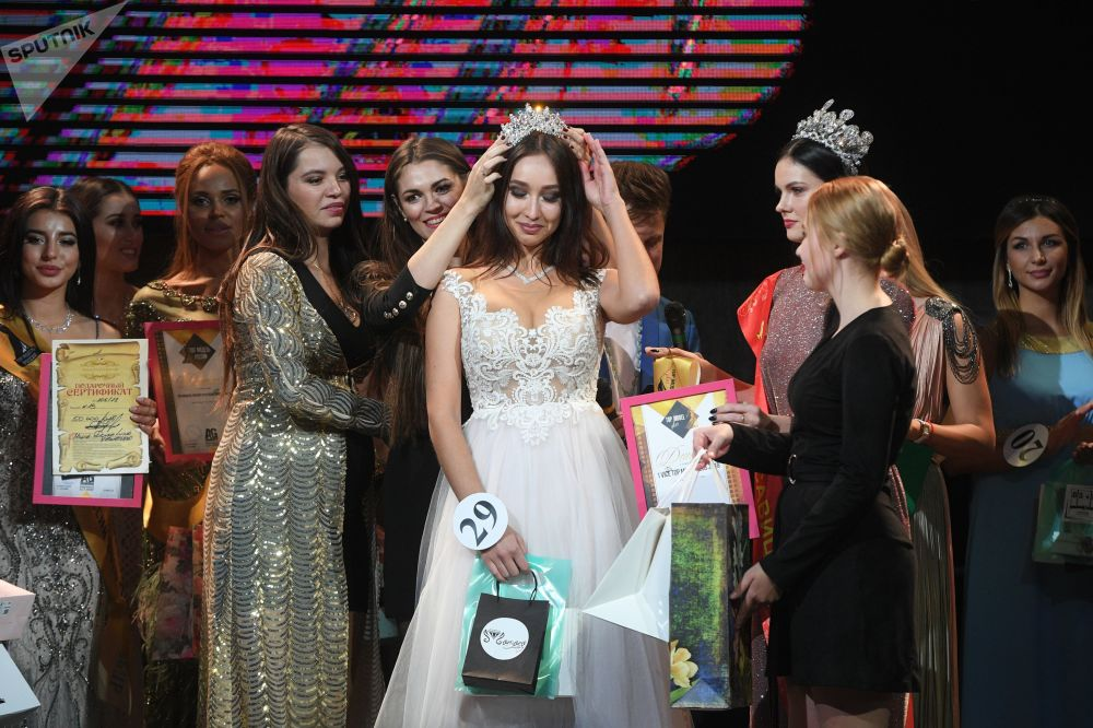 Russian Top Model and Top Model Plus Finals Show Off Impeccable Beauties