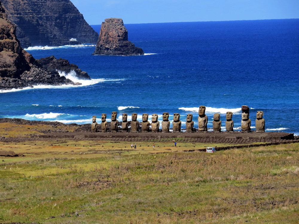 Rano Raraku moai,  Easter Island