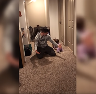 'Pops Can Wait': Greedy Baby Ditches Dad for Takeout