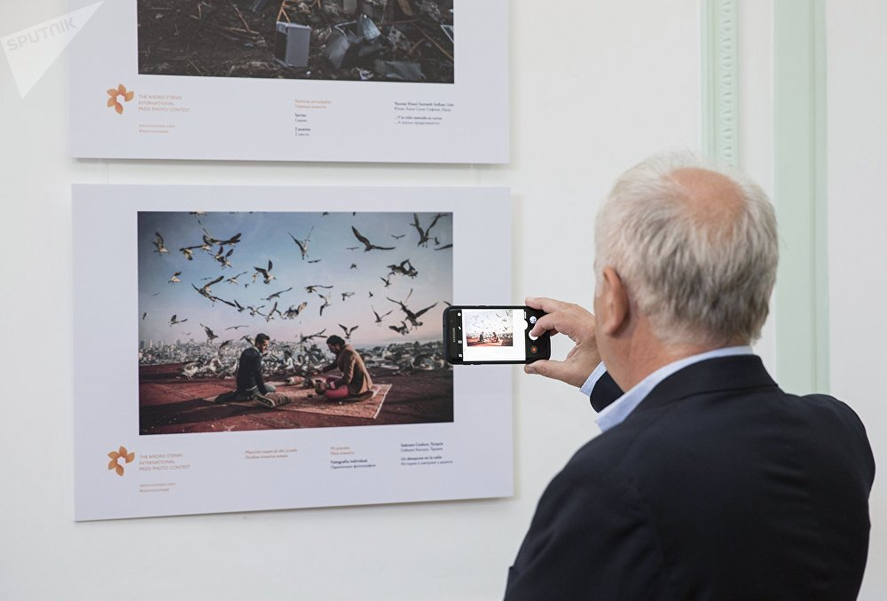 An exhibition by the Andrei Stenin International Press Photo Contest in Buenos Aires.