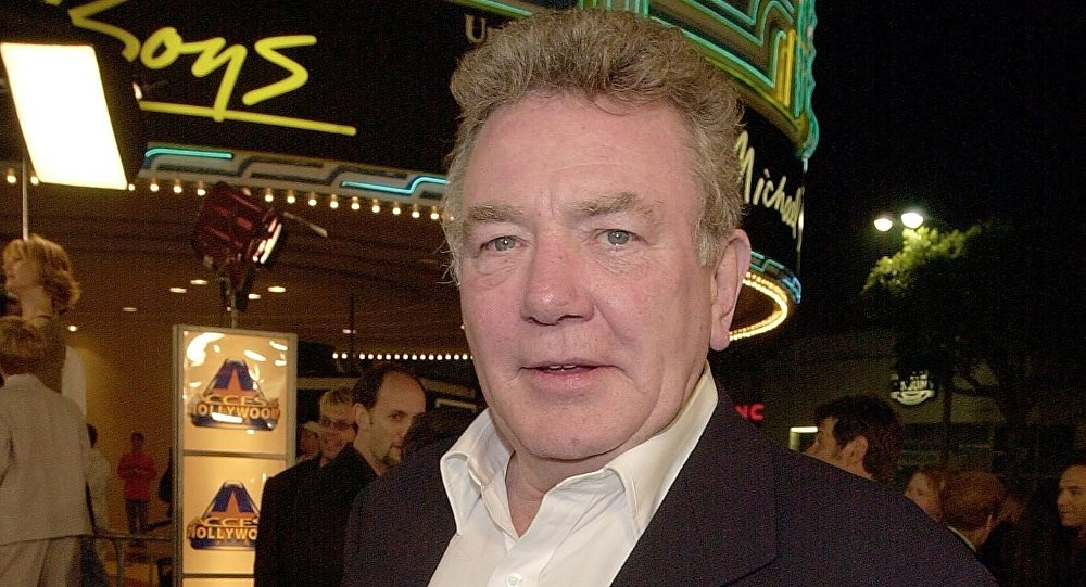 British actor Albert Finney arrives to the premiere of his new film Erin Brockovich in Los Angeles, CA 14 March 2000
