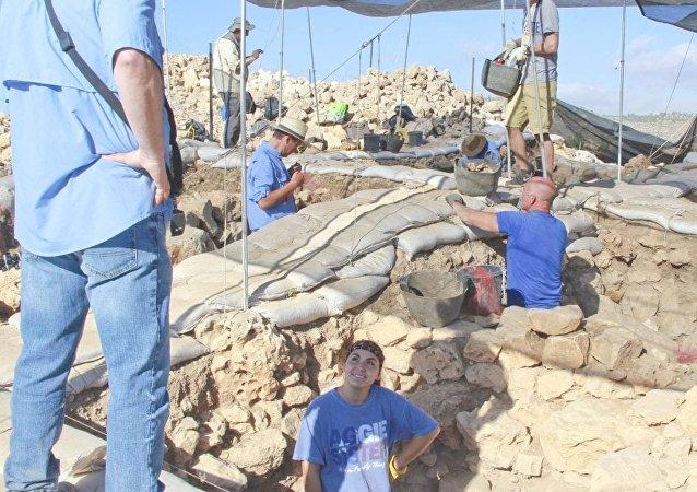 Dr Scott Stripling oversees archaeological work