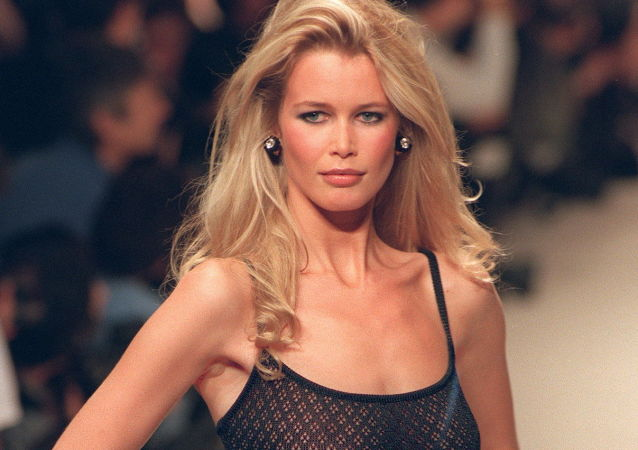 Claudia Schiffer During Chanel Fashion Show in Milan, 1995