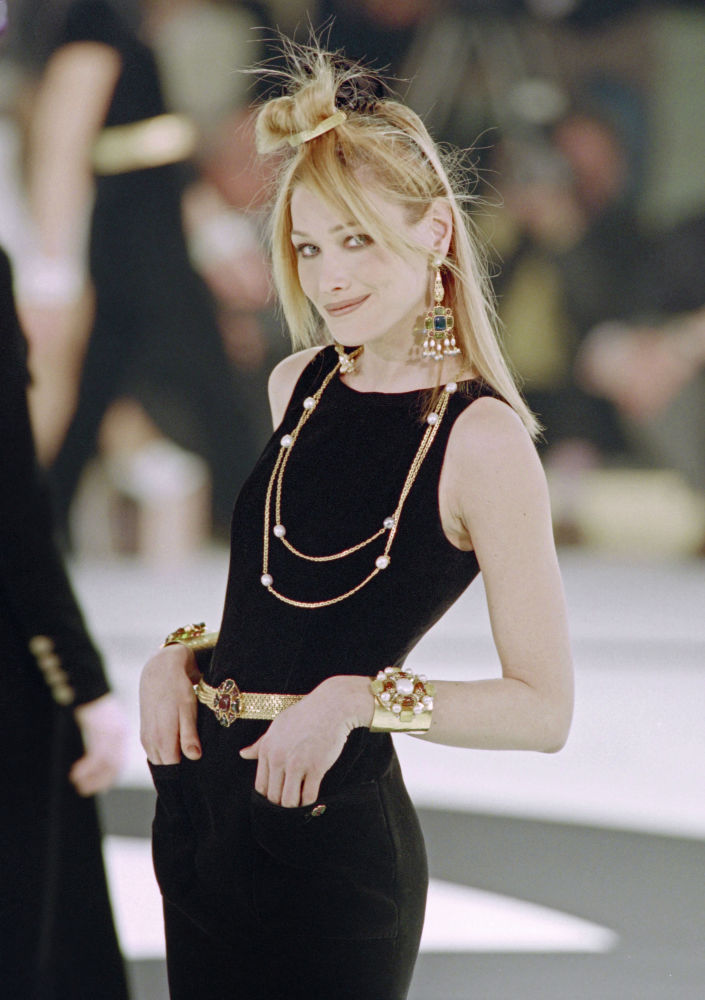 Italian-French Model Carla Bruni Presents an Outfit by Designer Karl Lagerfeld for Chanel, 1996