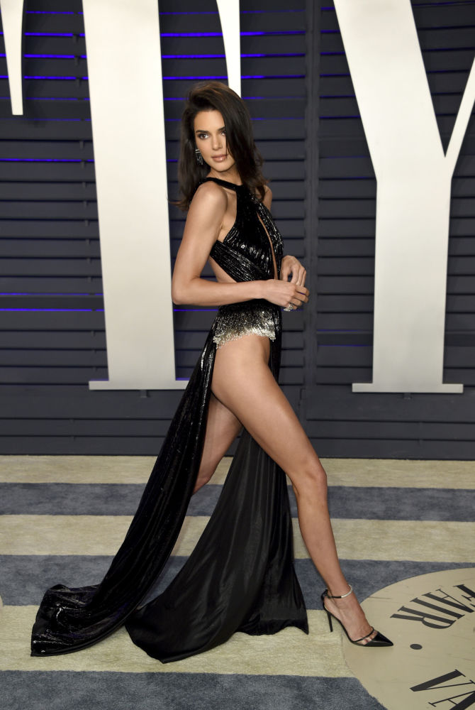 Kendall Jenner arrives at the Vanity Fair Oscar Party in Beverly Hills, California.