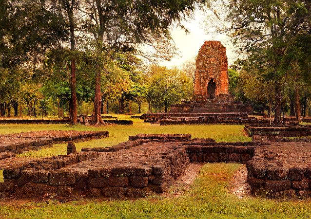 Prang Si Thep, Si Thep Historical Park, Phetchabun, Thailand, 2013