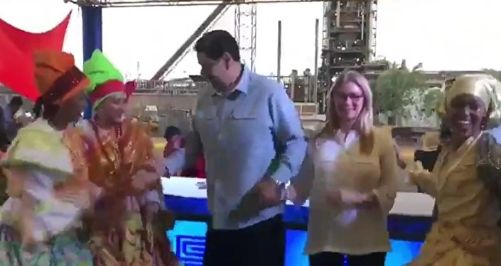 Nicolas Maduro dancing