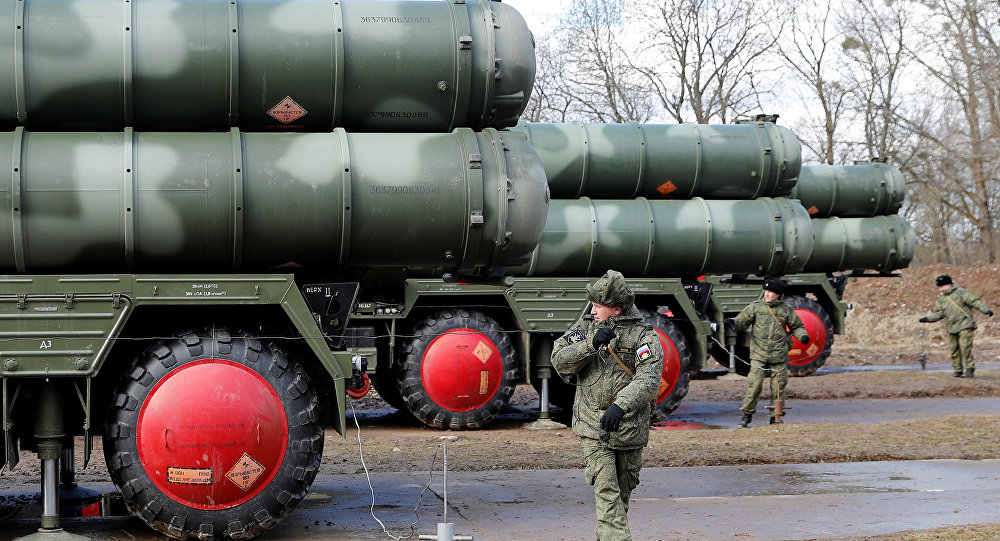 Russian servicemen stand next to a new S-400 Triumph surface-to-air missile system after its deployment at a military base outside the town of Gvardeysk near Kaliningrad, Russia March 11, 2019