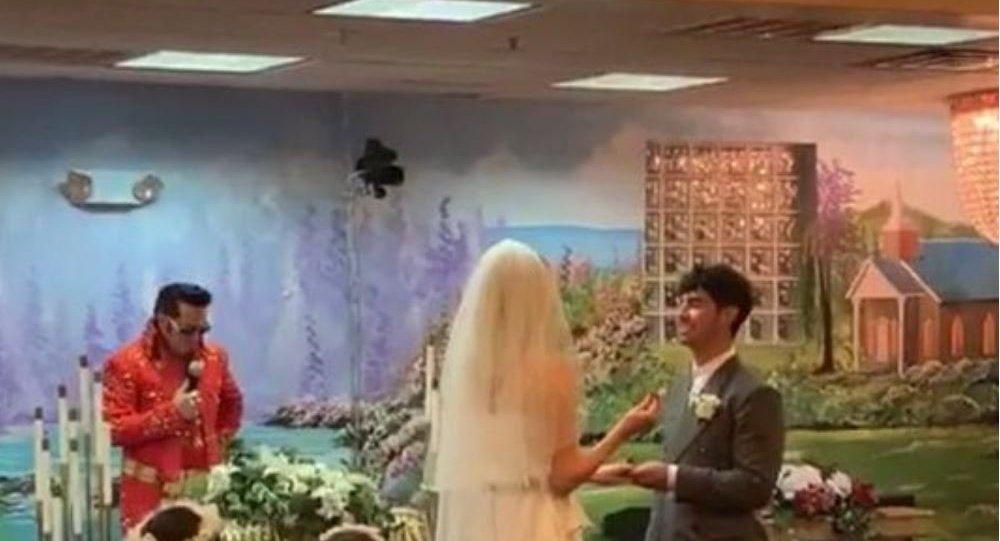 Joe Jonas and Sophie Turner Got Married in Las Vegas