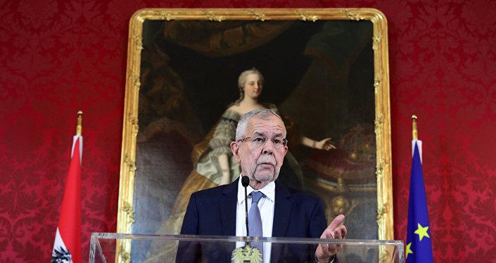 Austrian President Alexander Van der Bellen delivers a statement after a no-confidence vote against the government in Vienna, Austria May 27, 2019