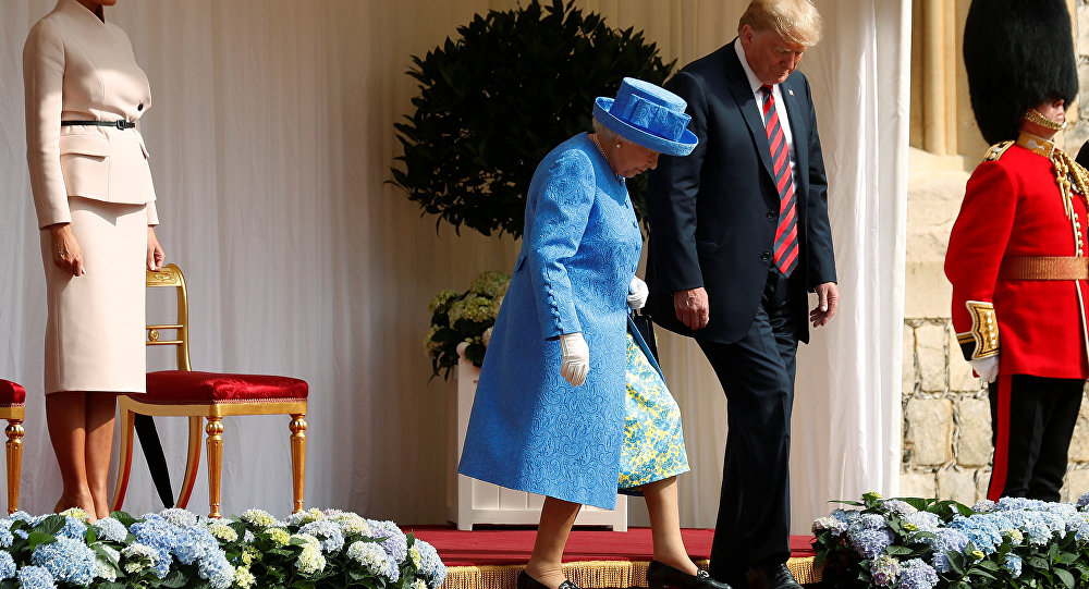 Trump, First Lady Meet Queen at Buckingham Palace