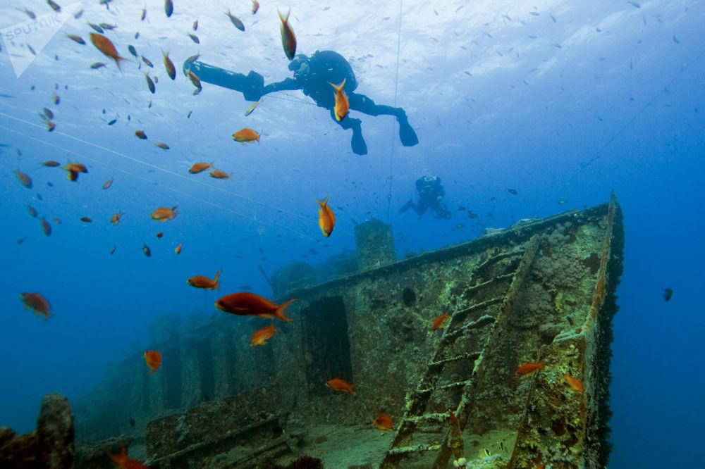 Sunken Universe Full of Secrets Hidden Under the Waters of the Ocean