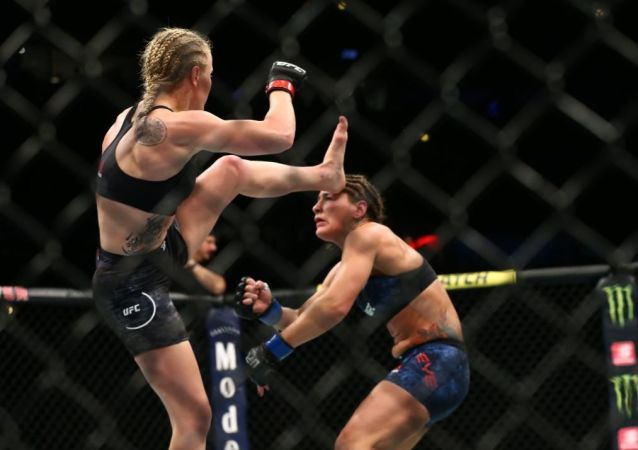 Valentina Shevchenko Knocks out Jessica Eye Defending Flyweight Title at UFC
