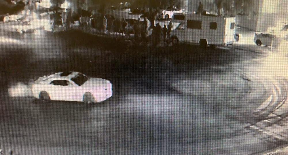 US Street Racers Flee Scene After Beating, Robbing Elderly Man