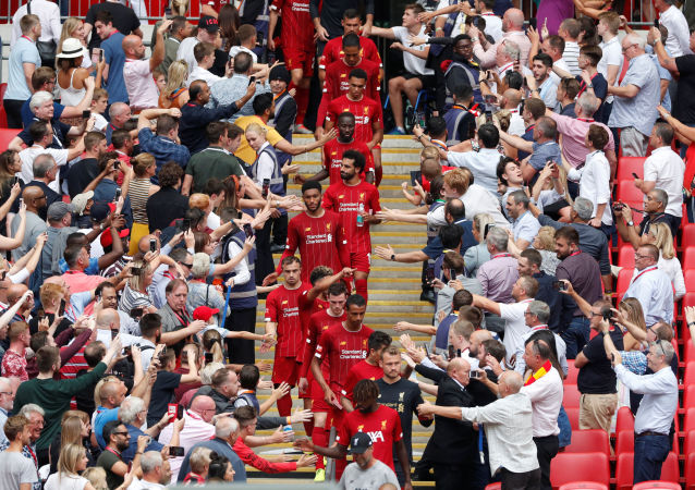 Soccer Football - FA Community Shield - Manchester City v Liverpool - Wembley Stadium, London, Britain - August 4, 2019  Liverpool players look dejected after the match as they shake hands with fans  Action Images via Reuters/Matthew Childs