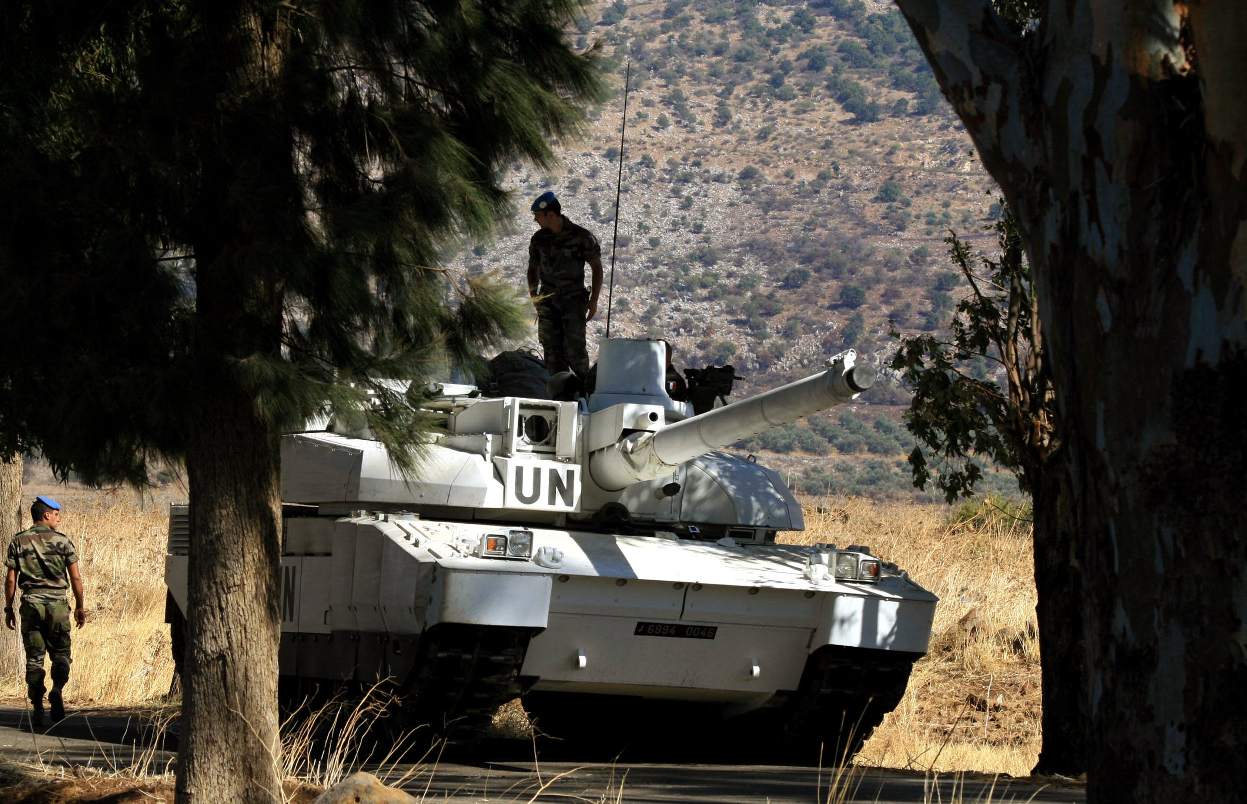 A UN French Leclerc tank secures an area in the village of Majidiyeh in south Lebanon, 07 October 2006