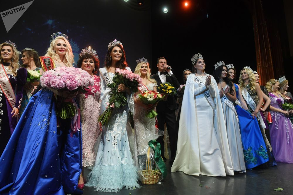 The pageant participants after receiving their rightly deserved awards.