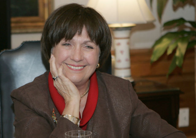 In this Dec. 18, 2007, file photo, Louisiana Gov. Kathleen Blanco conducts an interview in her office Baton Rouge, La. Louisiana Gov. John Bel Edwards' office confirmed former Louisiana Gov. Kathleen Babineaux Blanco, who became the state's first female elected governor, died Sunday, Aug. 18, 2019. She was 76.  (AP Photo/Bill Haber, File)