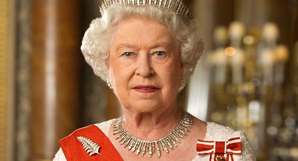 Queen Elizabeth II Addresses Nation Amid COVID-19 Pandemic - Video
