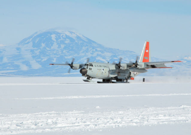 An LC-130 Skibird from the New York Air National Guard's 109th Airlift Wing in Scoita, New York, at Camp Raven, Greenland, on June 28, 2016