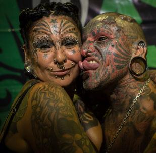 Uruguayan tattoo artist Victor Hugo Peralta and his wife, Argentinian tattoo artist Gabriela Peralta