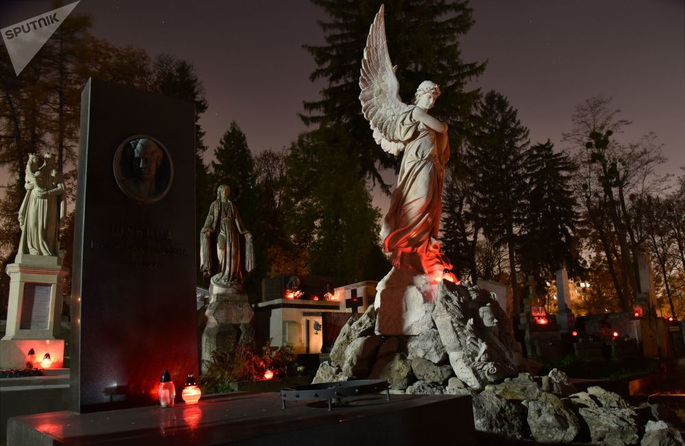 Morbid Beauty: Old and Spooky Cemeteries Across the World