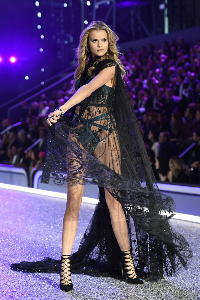 Russian model Kate Grigorieva presents a creation during the 2016 Victoria's Secret Fashion Show at the Grand Palais in Paris on 30 November 2016.