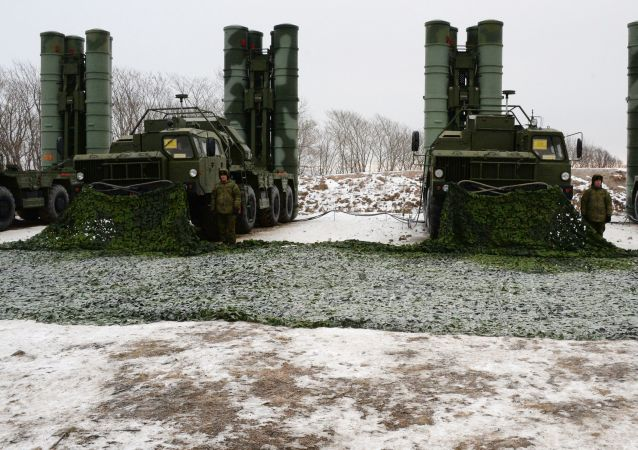 S-400 Triumph air defense missile systems in combat positions to protect the airspace of Primorye