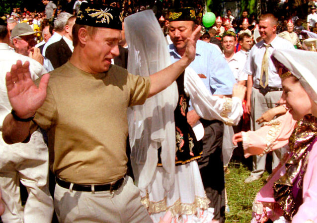 Russian President Vladimir Putin in Kazan on June 24th, where he took part in the national festival Sabantui, celebrated in Tatarstan in early summer. By tradition the guest of honor, who visited it for the first time, should also dance