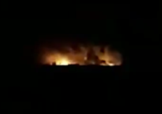 Footage Allegedly Shows Aftermath of Reported Iraqi-Syrian Border Airstrike 04.01.2020