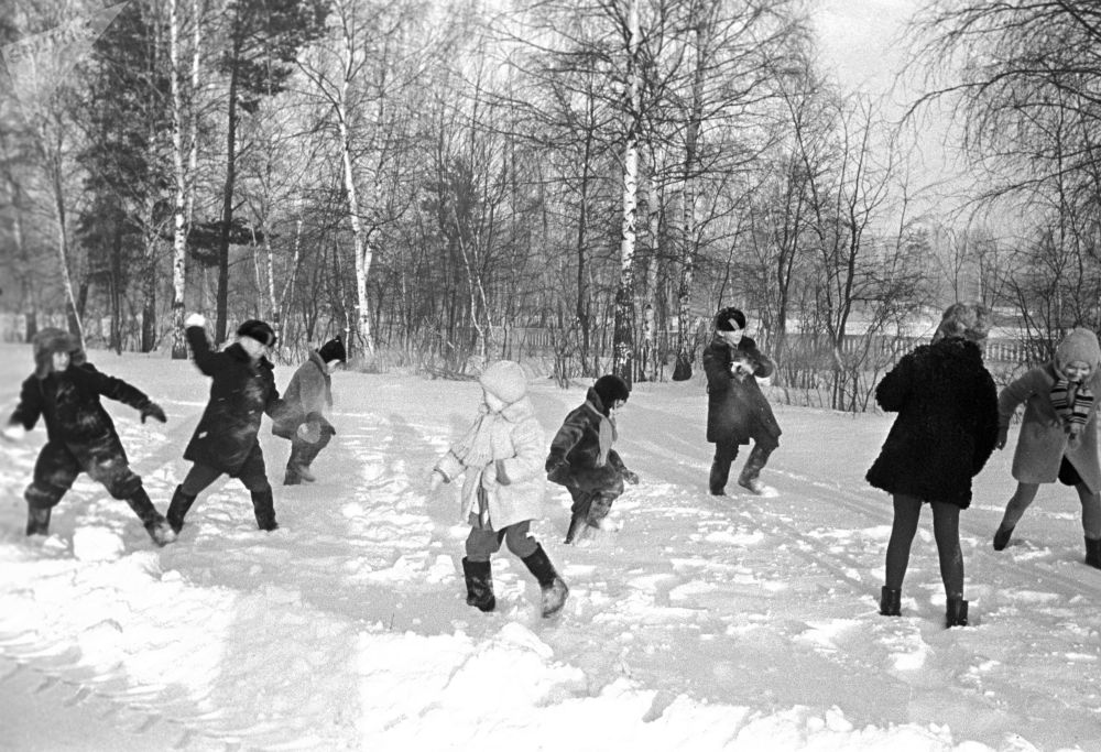 Children have a snowball fight in Moscow in 1969