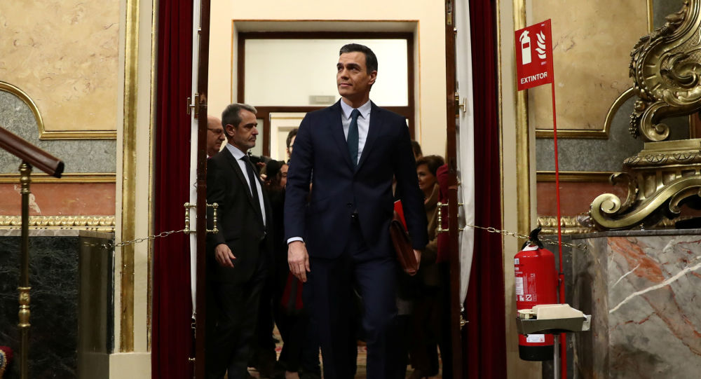 Spain's acting Prime Minister Pedro Sanchez arrives to attend the investiture debate at the Parliament in Madrid, Spain, January 5, 2020. REUTERS/Sergio Perez