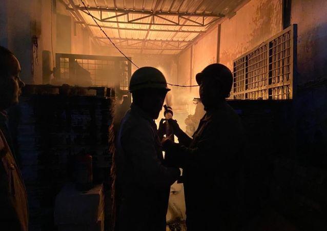 Firefighters in New Delhi