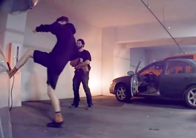 Tesla Sentry mode (dashcam) captures guys attempting to break charging plug