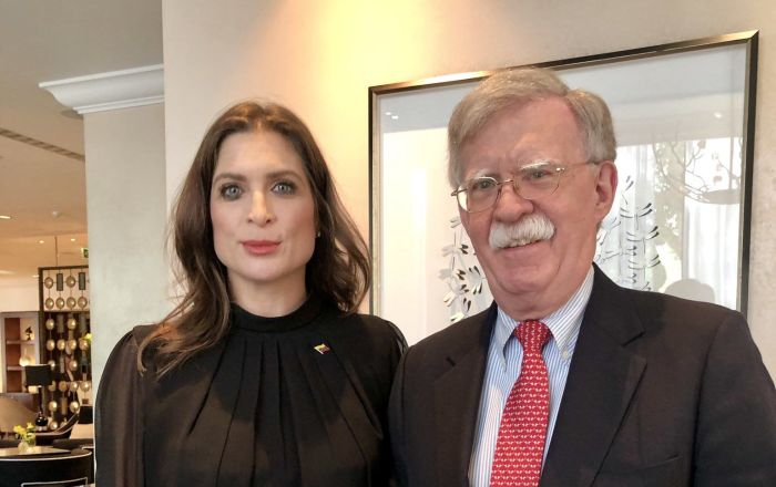 Guaido's UK 'Envoy' Posts 'Death to Maduro' Tweet, Asks FBI to Probe Journos Who Reported It