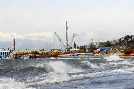 Последствия 7-бального шторма в Сочи