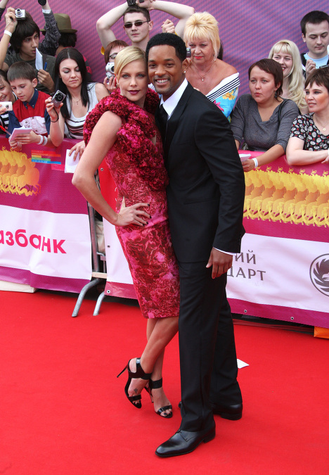 Charlize Theron and Will Smith