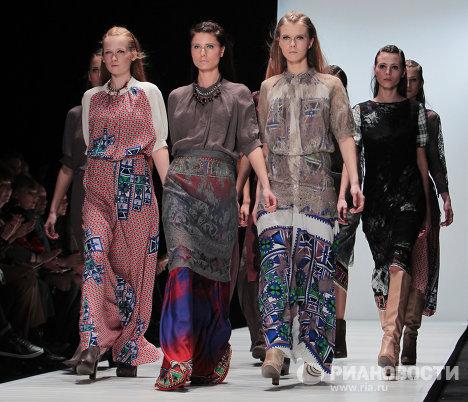 Показ коллекции POUSTOVIT на Mercedes-Benz Fashion Week Russia