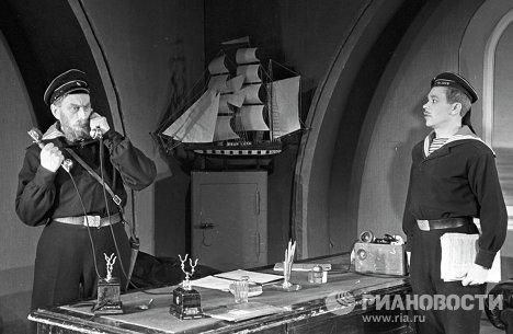 Сцена из спектакля Незабываемый 1919-й