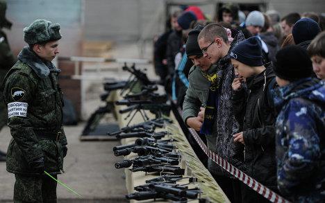 Демонстрация стрелкового оружия в рамках выставки Интерполитех-2012